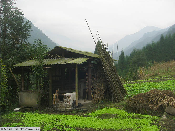 China: Sichuan Province: Farm shed