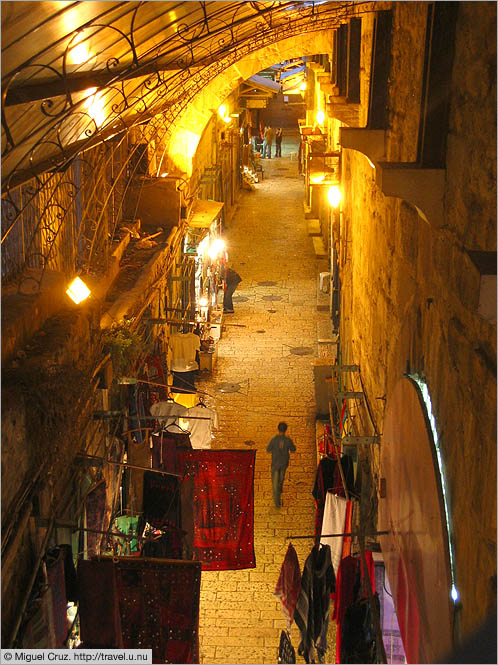Israel: Jerusalem: Covered street from above