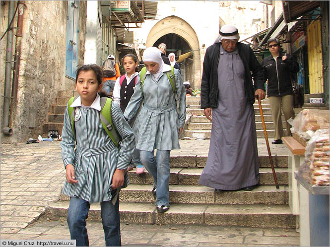 Israel: Jerusalem: Palestinian girls on the way to school