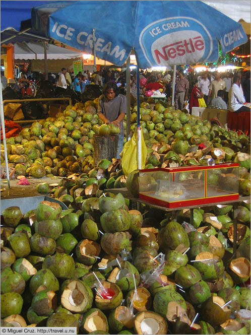 Malaysia: Thaipusam in KL: A whole lot of coconuts