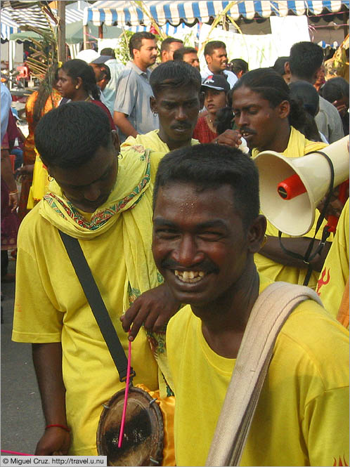 Malaysia: Thaipusam in KL: The happiest drummer