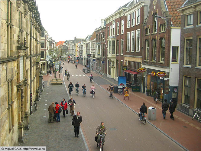 Netherlands: Leiden: Leisurely streets