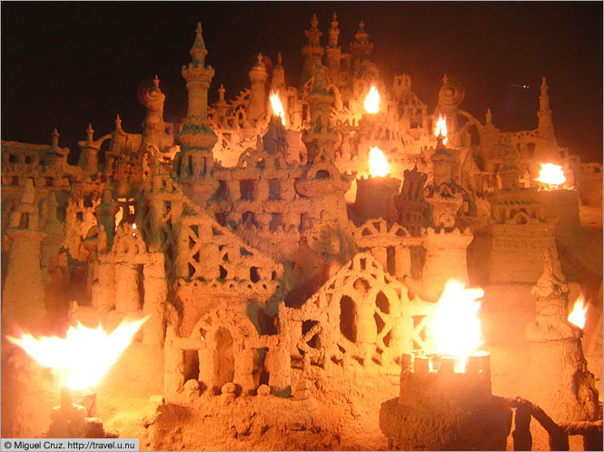 United States: Miami Beach: Sand castle by night
