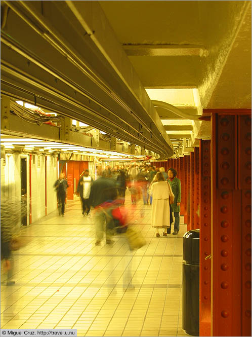 United States: New York City: Subway tunnel