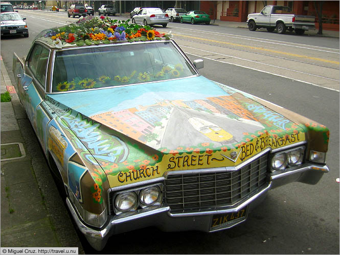 United States: San Francisco: Colorful car